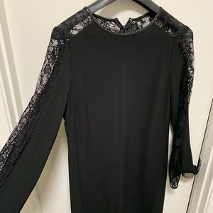 KUT from the Kloth Lace Sleeves Shift Dress